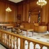 Sobre reconstituições da cena do crime em tribunais