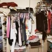 Posso colocar uma caixa de cinco gaveta no armário para economizar espaço no quarto?