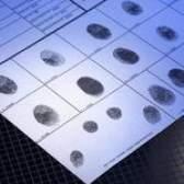 Pode seu registro juvenil aparecer em uma verificação de antecedentes do fbi?