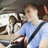 Regras de seguro de carro para crianças menores de 18 anos