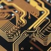 Como é um circuito paralelo diferente de um circuito em série?