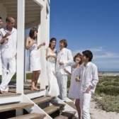 Idéias para roupas masculinas para um casamento de praia