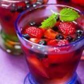 Como adicionar frutas a gelatina
