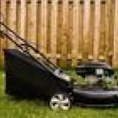 Como verificar se há faíscas em um cortador de grama
