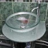 Como limpar pias de vidro
