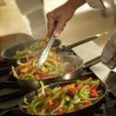 Como fritar legumes e pimentas