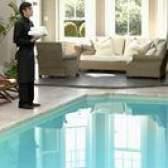 Como se livrar de mofo de água em uma piscina