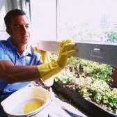 Como abrir janelas de vinil para limpá-los