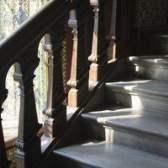 Como remover a pintura de escadas