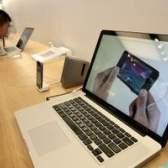 Como remover a bateria de um macbook