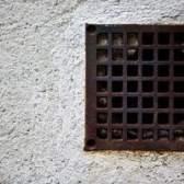 Como ventilar um espaço apertado para controlar a umidade