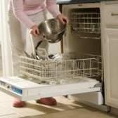 Meu maytag tranquila série 300 máquina de lavar louça está vazando