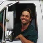 Salário de um trator motorista de caminhão de reboque auto propriedade
