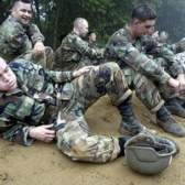 Os benefícios do exército vs. Marines