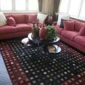 As melhores cores de pintura para uma sala virada a oeste com móveis de cerejeira