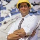 Quais são algumas das responsabilidades de um diretor de engenharia?