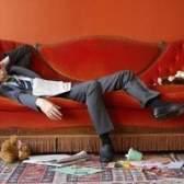 Quais as cores que eu posso usar com um sofá vermelho?