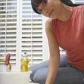 O que remove manchas lustra-móveis?
