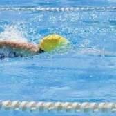 Por que o nível de cloro não está indo para baixo em sua piscina