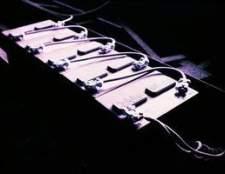 I pode carregar duas baterias 6v em série?