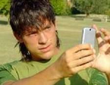 Como posso colocar o meu cartão micro SD em um telefone diferente?