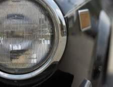 Como faço para substituir uma lâmpada do farol em um slk mercedes benz 350?