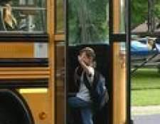 Como começar a treinar para ser um motorista de ônibus escolar