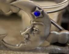 Como cuidar de jóias de estanho