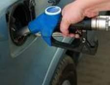 Como mudar o filtro de combustível em um Toyota Corolla