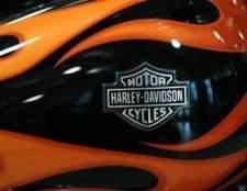 Como substituir as pastilhas de freio em uma estrada rei harley-davidson