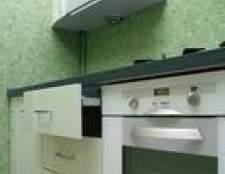 Como limpar cozido em alimentos em uma porta de vidro do forno