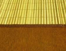 Como limpar tapetes de bambu