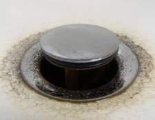 Como limpar o ralo de uma pia do banheiro American Standard