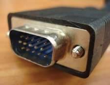 Como conectar o cabo de um porto laptop rgb para um monitor de computador externo