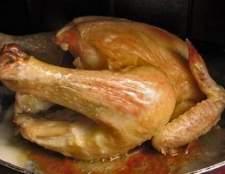 Como a cozinhar frango em um forno holandês