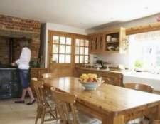 Como decorar uma cozinha do país francês com borgonha e amarelo