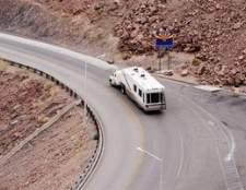 Como determinar o tamanho de engate para um trailer da quinta roda