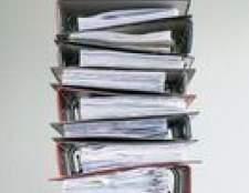Como encaixar papel legal em um fichário