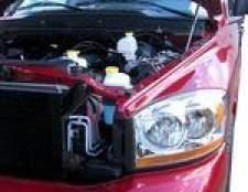 Como corrigir um pára-choque de caminhão amassado