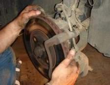 Como corrigir um pedal de freio baixo
