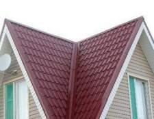 Como melhorar uma casa fabricada com um telhado de metal sobre telhas