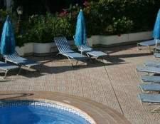 Como instalar telha sobre uma piscina de fibra de vidro