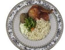 Como manter arroz cozido quente em um fogão lento