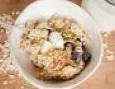 Como fazer farinha de aveia de alta proteína para o pequeno almoço