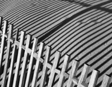 Como remover a pintura de uma cerca