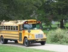 Como alugar um ônibus escolar amarelo