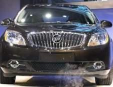 Como substituir um sensor de fluxo de massa de ar em um lesabre 1999 Buick
