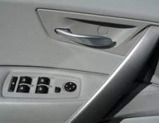 Como substituir o motor de janela em um 2003 Jeep Grand Cherokee