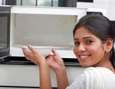 Água é aquecida no microondas segura para beber?