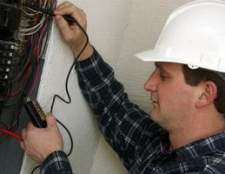 Quais são os benefícios de ser um eletricista?